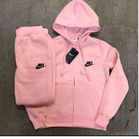 Nike pink sweatsuit
